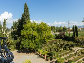 Stunning Villa, Florence, Sleeps 28, Swimmingpool, Parking, Wifi, 3km to centre