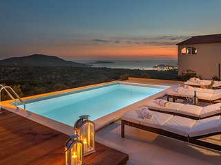 Luxury Villa Mia Bella with Pool