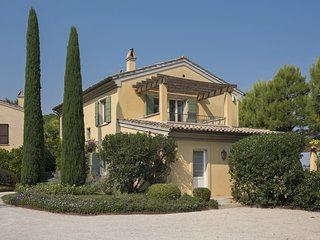 4 bedroom Villa in Civitanova Alta, The Marches, Italy : ref 5693124
