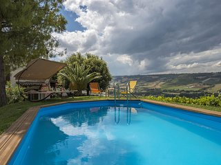 3 bedroom Villa in Campofilone, The Marches, Italy : ref 5693123