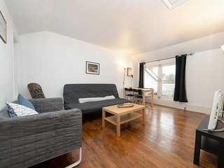 NEW Centrally Located Stylish 2BD Flat Camden