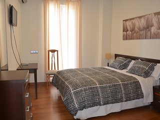 Comfortable and quiet apartment in downtown Madrid.