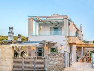 Ontas Villa. Cosy renovated village house. Aircon. BBQ. Sleeps 4