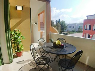 2 bedroom Villa with Walk to Beach & Shops - 5693968