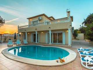 3 bedroom Villa in Calpe, Valencia, Spain : ref 5401433