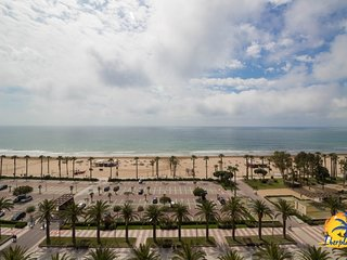 Spacious apartment a short walk away (133 m) from the 'Playa Levante' in Salou w