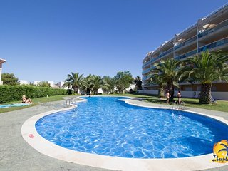 Spacious apartment in Salou with Lift, Washing machine, Air conditioning, Pool