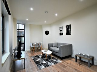 London Heathrow Q3-18 Serviced Apartment - Apt C