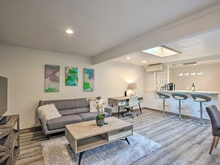 NEW! Remodeled Kailua Apt w/Kayak - Walk to Beach!