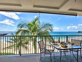 Updated Makaha Condo w/ Pool & Ocean-View Lanai!