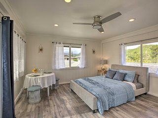 NEW! Modern Studio w/Deck - 1 Mi. to Kailua Beach!
