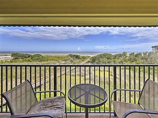 Hilton Head Island Resort Condo - Steps To Beach!
