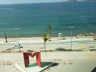 Torre eMe #414-E Best Location Oceanfront, Beach Access, Incredible Views