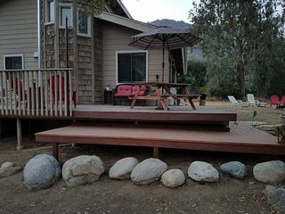 Spacious house in town, river access & 5 miles to the Sequoia National park
