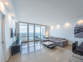 Ocean Front Village Apartments - A / Miami Beach Oceanfront 2 Beds-2 Baths