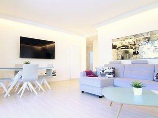 CORINA : Apartamento en zona tranquila.