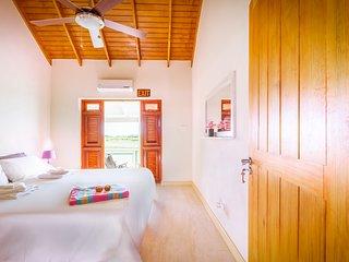 Caribbean style luxury 2 bedroomed apartment near Oistins