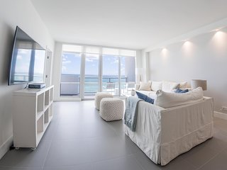 Ocean Front Village Apartments - G / Miami Beach Oceanfront 2 Beds-2 Bath