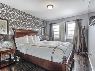 Luxury Private Room with comfy Bed