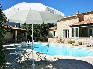 L'Oustau de la Colline, belle maison avec piscine, nature, calme et sérénité