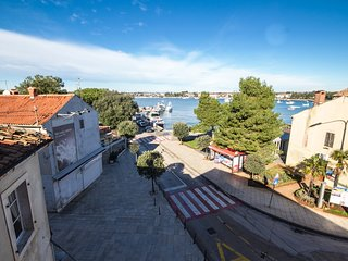 Cozy apartment in the center of Umag with Internet, Air conditioning