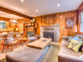 Midcentury Charm in the Woods