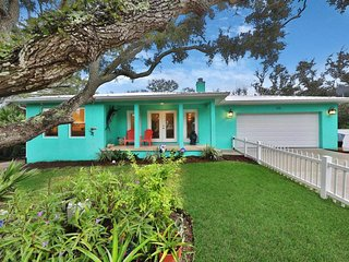 NEW LISTING! Charming home w/back patio & chef's kitchen - 2 blocks to beach