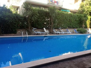 Cozy apartment in the center of Sorrento with Internet, Air conditioning, Pool
