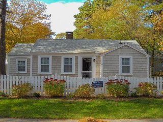 Neat and clean 3 bedroom cottage-Only.2 mile to Sea Street Beach