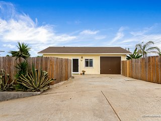 Sunshine (930 Orpheus) - NEW Charming home with Backyard Oasis!