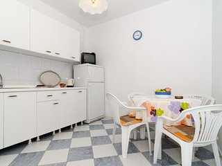 Cozy apartment in the center of Sobra with Parking, Internet, Air conditioning,