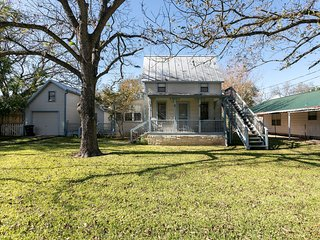 Cowboy Orchard | Fredericksburg Vacation Rental