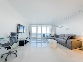 Ocean Front Village Apartments - B / Miami Beach Oceanfront 2 Beds-2 Baths