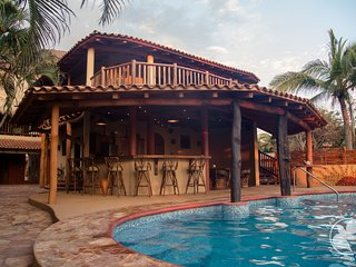 Casa La Paloma: Private Beachfront Villa