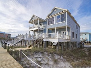 Spring Into A Vacation ~ Recently Remodeled ~ 4 BR ~ Pet Friendly ~ Gulf Front ~
