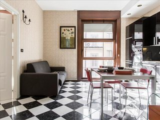 Dogana apartment in Centro Storico with WiFi, air conditioning & lift.