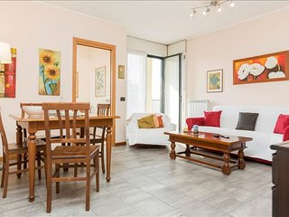Cassala I apartment in Navigli with WiFi, integrated air conditioning, balcony &