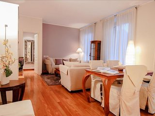 Ciro Menotti III apartment in Citta Studi with WiFi, air conditioning & balcony.
