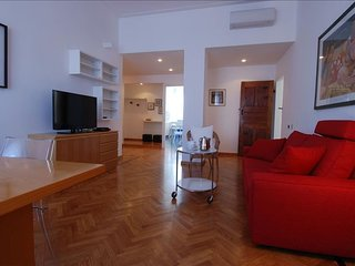 Conca del Naviglio apartment in Navigli with WiFi, air conditioning, balcony & l