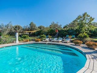 LArge counrty villa, pool, amazing views