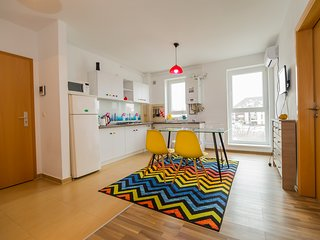 Brawell Coresi Colorful Apartment perfect for good moments with friends.