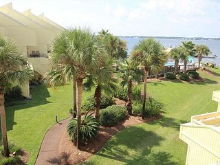 Amazing Water Views! Pool,Tennis, Boat Dock, Paddle Board, Beach Wagon