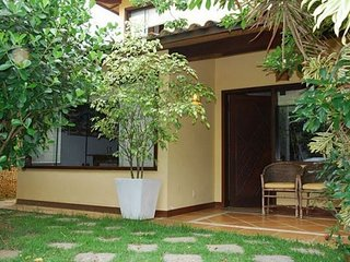 House with 4 suites 200 meters from Rua das Pedras BUZ05