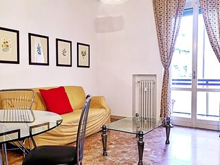 Spacious apartment close to the center of Verona with Lift, Parking, Internet, W