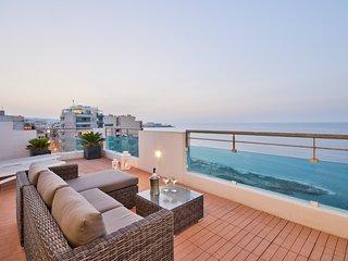 Amazing Views, Sliema Seafront Penthouse