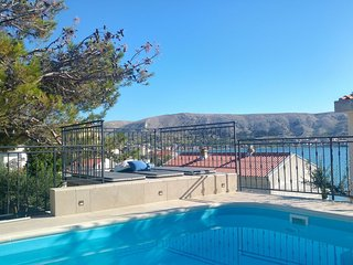 Cozy apartment in the center of Pag with Parking, Internet, Air conditioning, Po