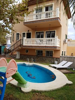 Adosado en Almayate, playa cerca, piscina privada
