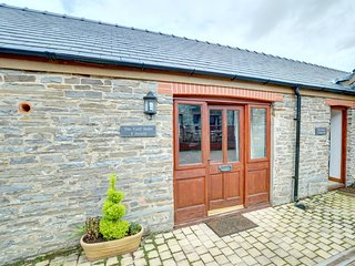 The Calf Suite: Part of a restored group of holiday properties WAN402