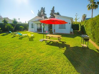 VILLA ANDRES- Very close to the beach