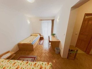 Cozy room in Krnica with Parking, Internet, Balcony